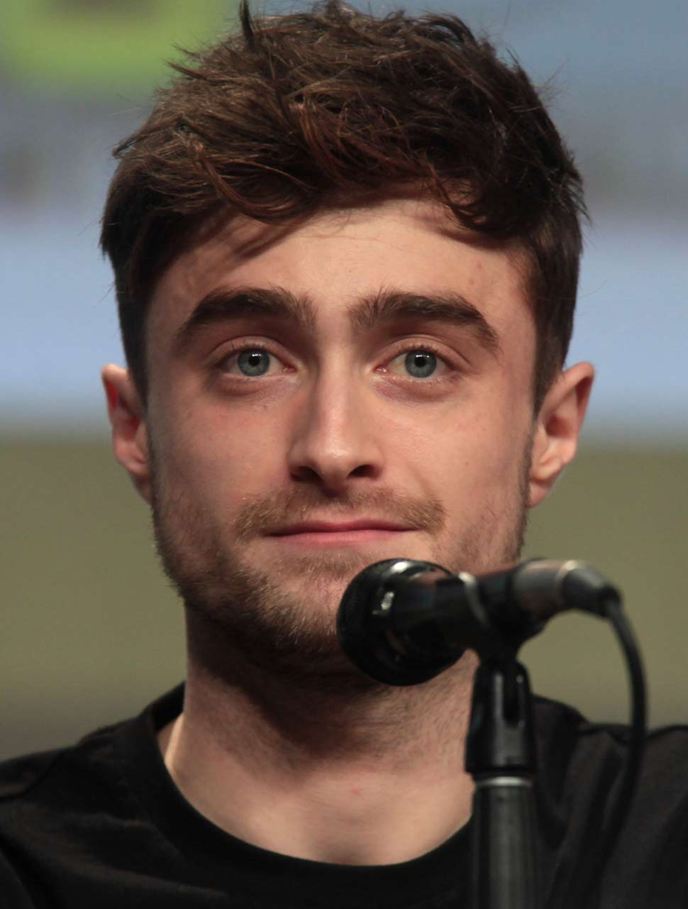 Daniel Radcliffe shows off his rapping skills